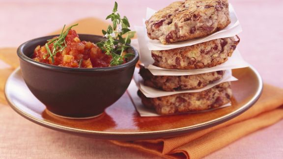 Rezept: Rote-Bohnen-Bratlinge mit Tomatensalsa