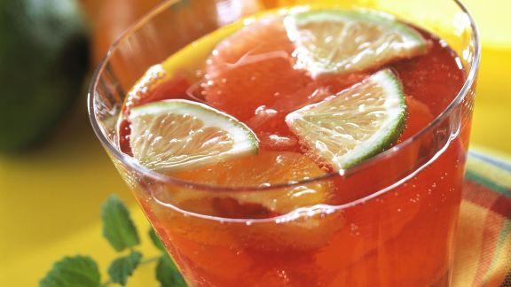 Rezept: Rote Zitrusbowle