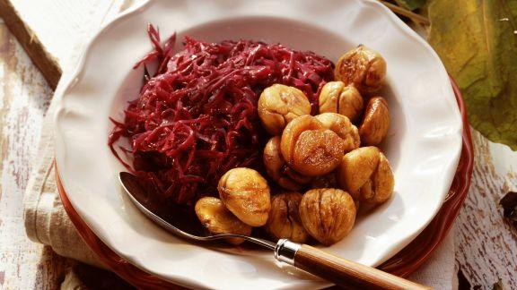 Rezept: Rotkraut mit gebratenen Maroni