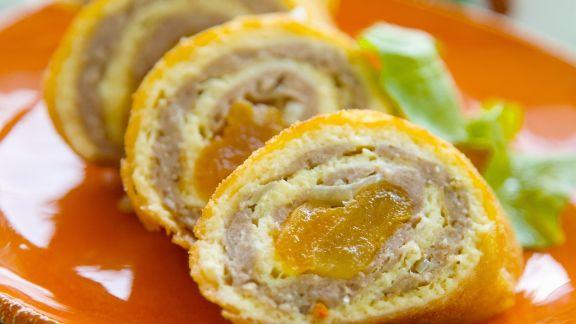 Rezept: Roulade vom Hähnchen mit Trocken-Aprikosen