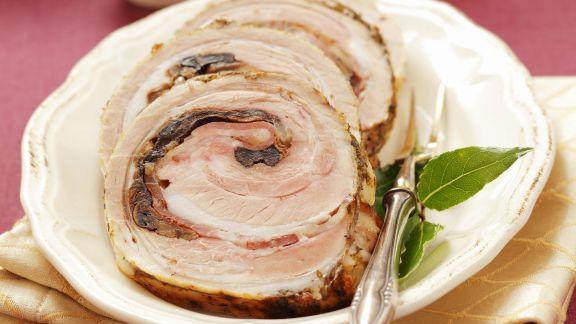 Rezept: Roulade vom Schweinebauch mit Pilzen gefüllt