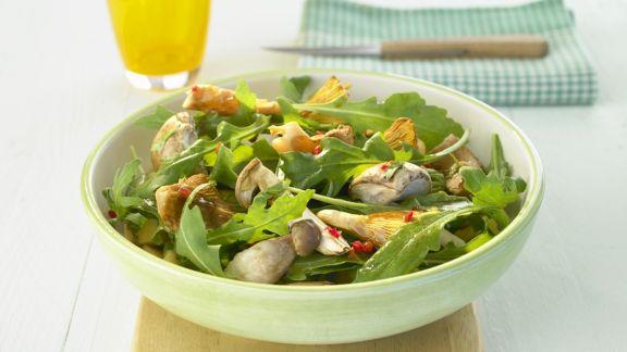 Rezept: Rucolasalat mit gebratenen Pilzen