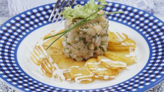 Rezept: Saibling-Tatar mit Bratkartoffeln