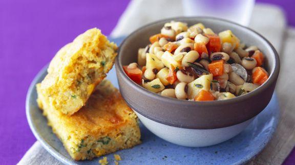 Rezept: Salat aus Augenbohnen mit Maisbrot