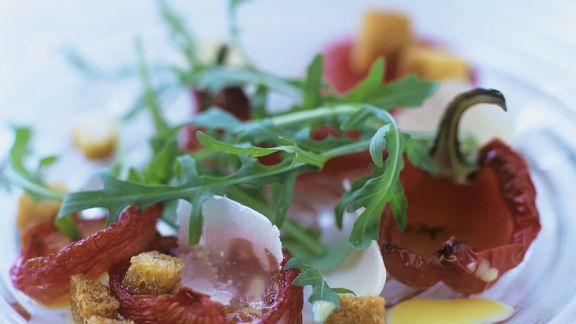 Rezept: Salat aus gegrillten Paprikaschoten und Rucola