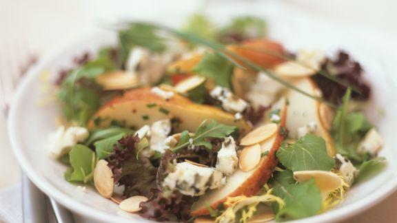 Rezept: Salat mit Birnen und Blauschimmelkäse