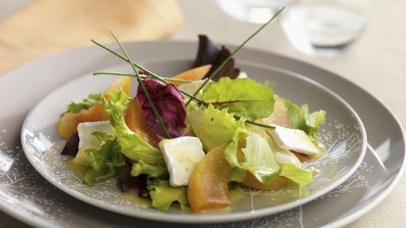 Rezept: Salat mit Brie und Zwetschgen