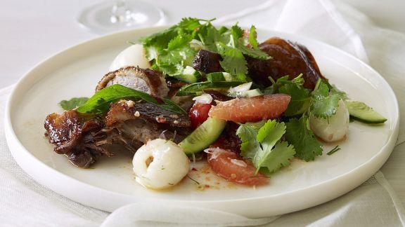 Rezept: Salat mit Entenbrust, Grapefruit und Lychees