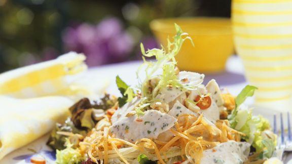 salat mit pute und gem se rezept eat smarter. Black Bedroom Furniture Sets. Home Design Ideas