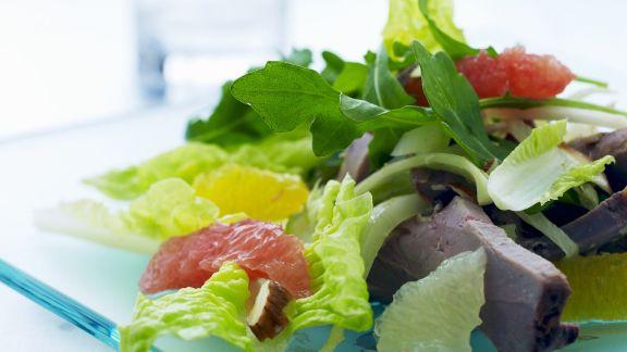 Rezept: Salat mit Rind und Zitrusfrüchten