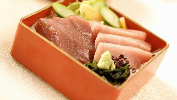 Rezept: Salat mit rohem Thunfisch auf japanische Art