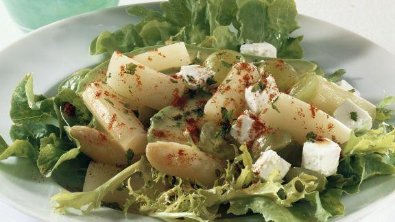 Rezept: Salat mit Spargel und Ziegenkäse