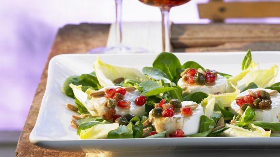 Rezept: Salat mit Ziegenkäse und Granatapfel-Dressing