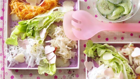 Rezept: Salatplatte mit pikanten Herzen