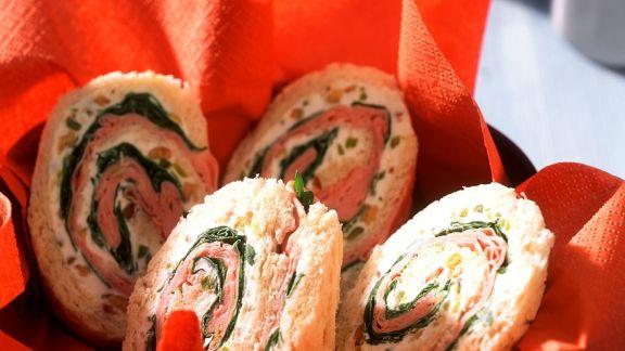 Rezept: Sandwichrollen mit Mascarponecreme und Mortadella