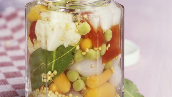 Rezept: Sauer eingelegtes Gemüse