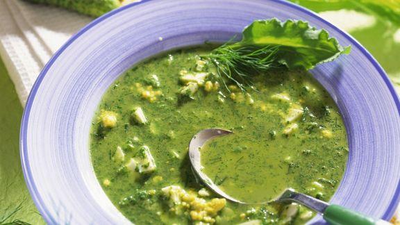 Rezept: Sauerampferkaltschale mit sauren Gurken und Ei