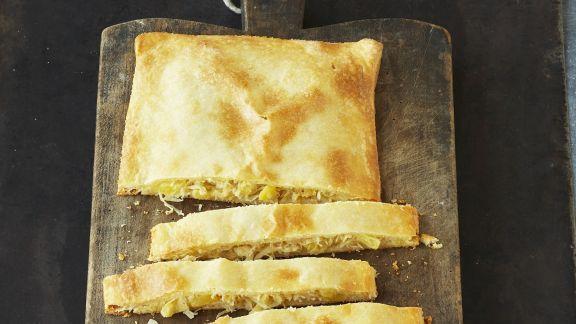 Rezept: Sauerkraut im Teigmantel gebacken