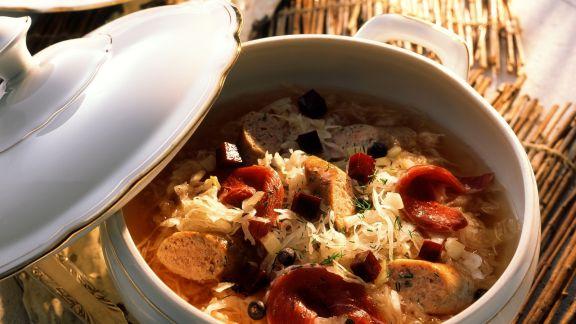 Rezept: Sauerkraut-Würstchen-Topf mit geräucherter Entenbrust