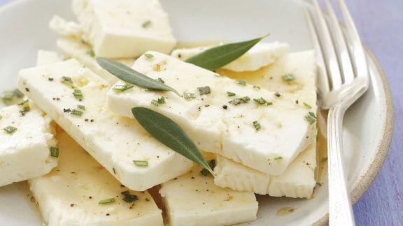 Rezept: Schafskäse mit Rosmarin-Honig