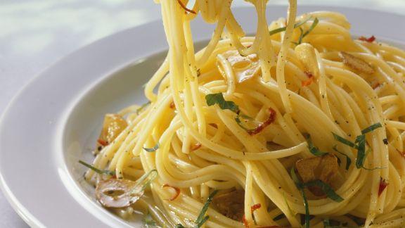 Rezept: Scharfe Pasta (aglio, olio e peperoncino)