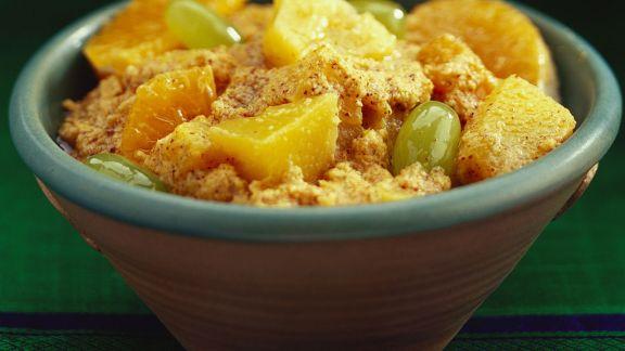 Rezept: Scharfer Obstsalat mit Chilicreme