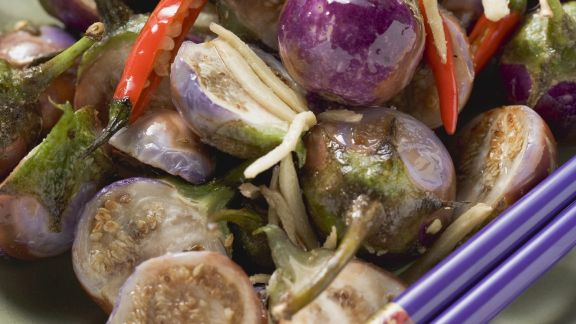 Rezept: Scharfes Auberginengemüse auf asiatische Art