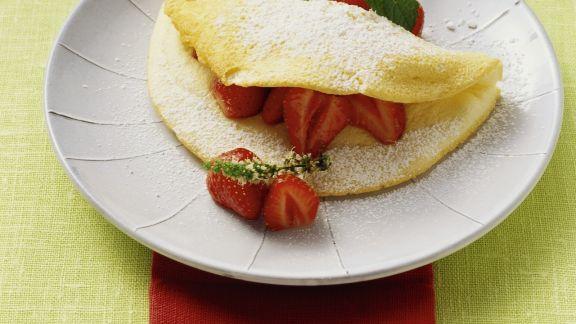 Rezept: Schaumomelett mit Erdbeeren