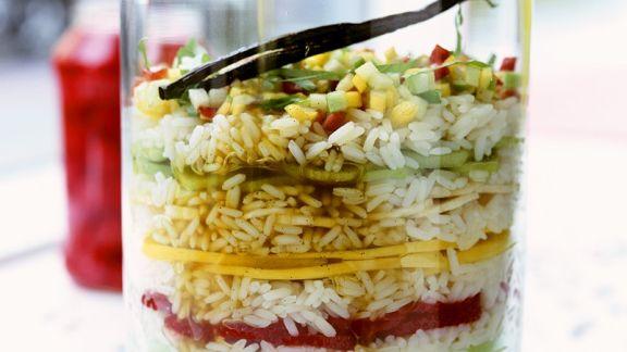 Rezept: Schichtdessert mit Reis und Früchten