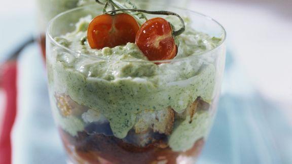Rezept: Schichtspeise aus Tomate und Basilikum