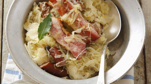 Rezept: Schlachtschüssel mit Sauerkraut