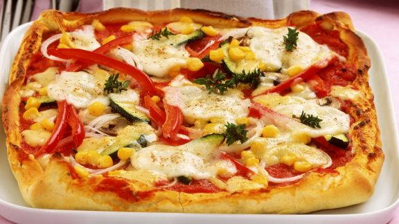 Rezept: Schnelle Pizza mit Gemüse