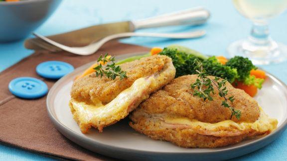 Rezept: Schnitzel mit Käse-Schinken-Füllung (Cordon Bleu) und Gemüse