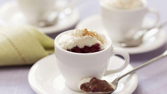 Rezept: Schokoladenmousse mit Sahne
