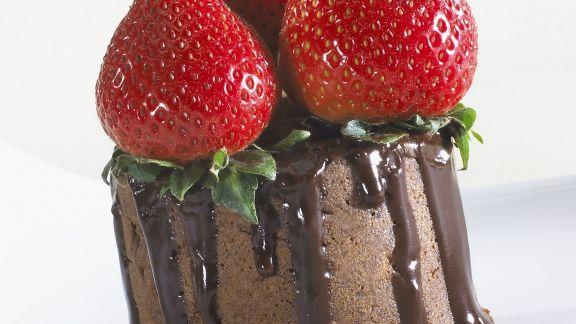 Rezept: Schokotörtchen mit Erdbeeren