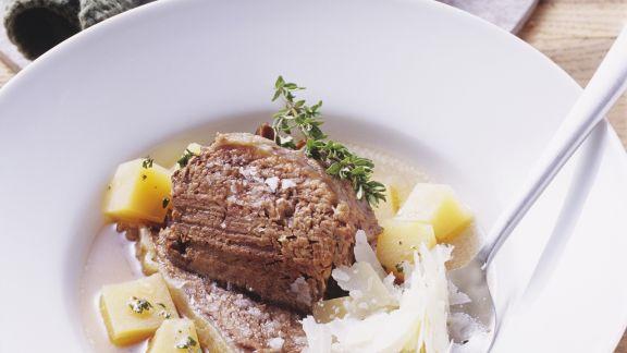 Rezept: Schulter vom Ochsen mit Steckrüben und Parmesan