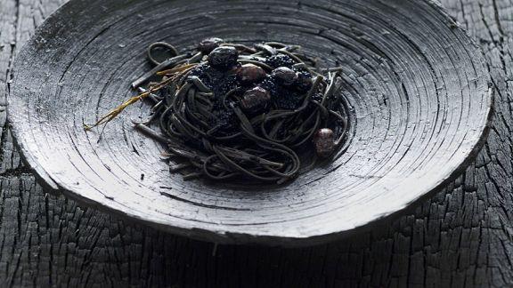 Rezept: Schwarze Nudeln mit Kaviar