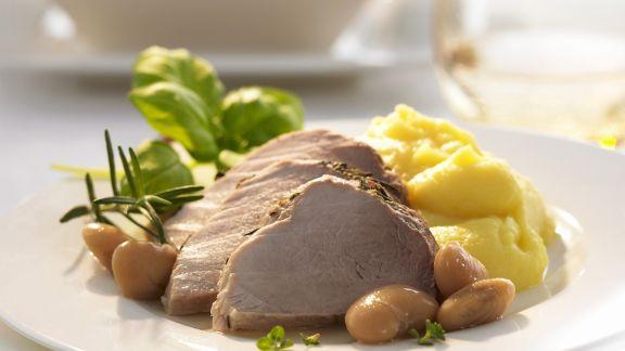 Rezept: Schweinebraten aus dem Bratschlauch mit Dicken Bohnen
