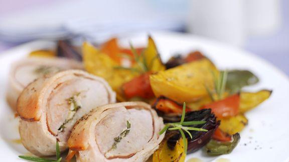 Rezept: Schweinefilet im Baconmantel mit gemischtem Gemüse