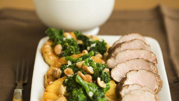 Rezept: Schweinefilet mit Brokkoli-Nuss-Gemüse