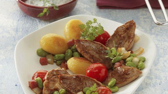 Rezept: Schweinefilet mit gebratenen Kartoffeln und Kerbelcreme