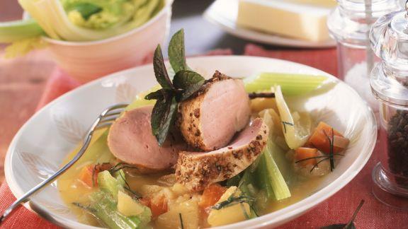 Rezept: Schweinefilet mit Selleriegemüse und Apfelmostsoße