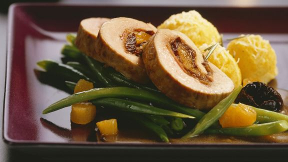 Rezept: Schweinefiletroulade mit Gemüse zu Weihnachten