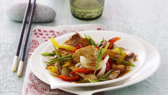 Rezept: Schweinefleisch mit Gemüse in süß-saurer Sauce