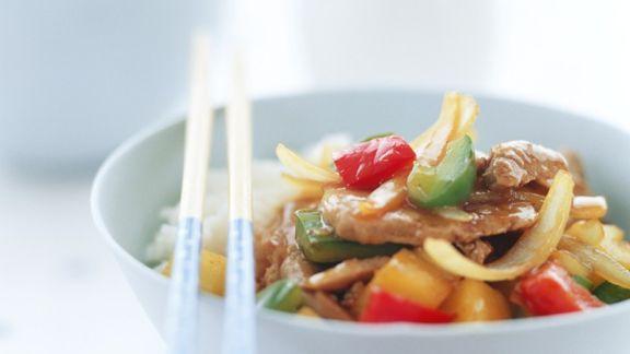 Rezept: Schweinefleisch mit Gemüse süßsauer