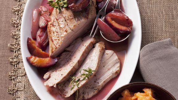 Rezept: Schweinefleisch mit Zweschgenkompott und Kürbisstampf