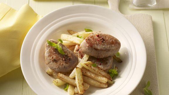 Rezept: Schweinelendchen mit Kohlrabi-Pommes