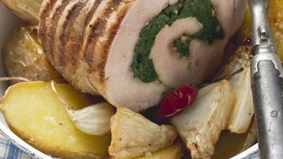 Rezept: Schweinerollbraten mit Kartoffeln und Sellerie