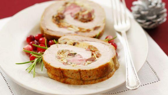 Rezept: Schweinerollbraten mit Mandel-Rosinen-Füllung