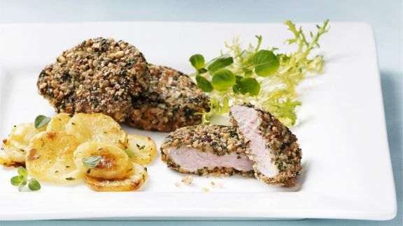 Rezept: Schweineschnitzel im Kräutermantel